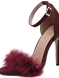 baratos -Mulheres Sapatos Camurça Primavera / Verão Conforto / Inovador Sandálias Salto Agulha Peep Toe Penas / Presilha Preto / Rosa claro / Vinho