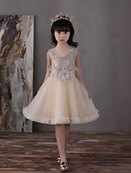 A-Line Knee Length Flower Girl Dress - Lace Satin Chiffon Sleeveless V-neck with Pearl