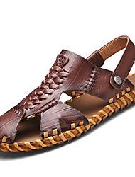 Masculino Chinelos e flip-flops Pele Verão Caminhada Tachas Rasteiro Castanho Escuro Khaki 5 a 7 cm