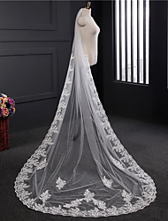 cheap -One-tier Lace Applique Edge Wedding Veil Chapel Veils With Applique Embroidery Lace Tulle