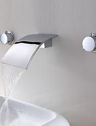 Недорогие -Ванная раковина кран - Водопад Хром Разбросанная Две ручки три отверстия