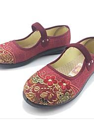 Недорогие -Для женщин На плокой подошве Удобная обувь Ткань Весна Осень Повседневные Для прогулок На эластичной ленте Цветы На плоской подошвеЧерный