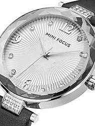 preiswerte -Damen Modeuhr Armbanduhr Einzigartige kreative Uhr Armbanduhren für den Alltag Quartz Echtes Leder Band Bettelarmband Cool Bequem Kreativ