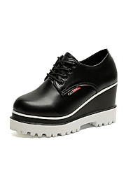 cheap -Women's Oxfords Comfort Spring Fall PU Casual Office & Career Lace-up Wedge Heel White Black Under 1in