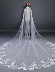 cheap -One-tier Cut Edge Lace Applique Edge Wedding Veil Cathedral Veils With Applique Lace Tulle