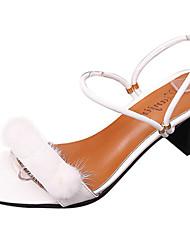 preiswerte -Damen Sandalen Komfort Pumps PU Frühling Sommer Kleid Party & Festivität Feder Schnalle Blockabsatz Weiß Schwarz 5 - 7 cm