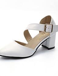 Недорогие -Для женщин Обувь Полиуретан Лето Удобная обувь Сандалии Блочная пятка Заостренный носок Пряжки Шнуровка Назначение Повседневные Белый