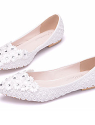 cheap -Women's Shoes PU(Polyurethane) Spring / Fall Comfort / Novelty Wedding Shoes Flat Heel Pointed Toe Rhinestone / Appliques / Flower White