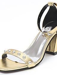 preiswerte -Damen Schuhe PU Sommer Komfort Pumps Sandalen Blockabsatz Quadratischer Zeh Knopf Für Normal Gold Weiß Schwarz