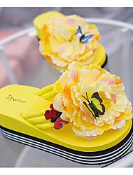 Недорогие -Для женщин Обувь Полиуретан Весна Осень Удобная обувь Сандалии Микропоры для Повседневные Белый Черный Желтый Красный