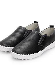 Feminino Sapatos Couro Ecológico Primavera Conforto Mocassins e Slip-Ons Raso para Casual Branco Preto
