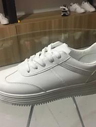preiswerte -Damen Schuhe PU Frühling Herbst Komfort Sneakers Flacher Absatz Geschlossene Spitze für Draussen Weiß Grau Braun Rosa