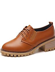 baratos -Mulheres Sapatos Couro Ecológico Outono / Inverno Conforto Saltos Salto Baixo Preto / Bege / Castanho Claro