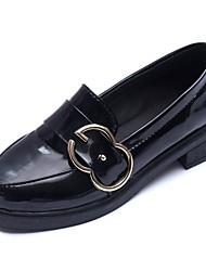 Недорогие -Жен. Обувь Полиуретан Весна Удобная обувь Мокасины и Свитер На низком каблуке Стразы Черный