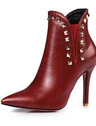 preiswerte -Damen Schuhe Kunstleder Frühling / Herbst Modische Stiefel Stiefel Stöckelabsatz Spitze Zehe Booties / Stiefeletten Niete Schwarz / Rot /