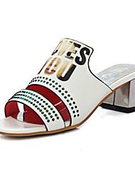 preiswerte -Damen Schuhe PU Frühling Sommer Komfort Neuheit Fersenriemen Sandalen Blockabsatz Peep Toe Strass für Hochzeit Party & Festivität Weiß