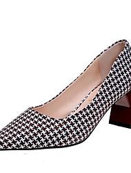 baratos -Mulheres Sapatos Tecido / Couro Ecológico Primavera / Outono Conforto Saltos Salto Robusto Preto / Café / Vermelho
