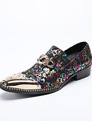 baratos -Homens Sapatos formais Couro / Pele Napa Primavera / Outono Conforto Mocassins e Slip-Ons Preto / Casamento / Festas & Noite / Sapatas de novidade