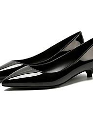 preiswerte -Damen Schuhe PU Frühling Herbst Komfort Pumps High Heels Kitten Heel-Absatz Spitze Zehe für Normal Büro & Karriere Weiß Schwarz Silber