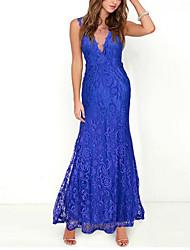 Недорогие -Жен. Изысканный А-силуэт С летящей юбкой Платье - Сплошной цвет, Кружева С отверстиями Завышенная V-образный вырез Макси