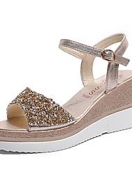 preiswerte -Damen Schuhe PU Frühling / Sommer Komfort Sandalen Keilabsatz Gold / Silber / Keilabsätze