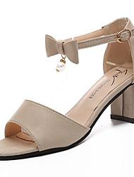 baratos -Mulheres Sapatos Couro Ecológico Primavera / Verão Conforto Sandálias Salto de bloco Ponta Redonda Laço / Pérolas Sintéticas Preto / Bege