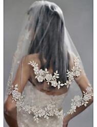abordables -Deux couches Elégant A Perles Voiles de Mariée Voiles longueur coude Avec Perle fausse Broderie Polyester