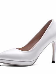 baratos -Mulheres Sapatos Couro Ecológico Primavera Outono Plataforma Básica Saltos Salto Agulha Dedo Apontado para Ao ar livre Branco Preto