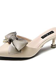 Недорогие -Жен. Обувь Полиуретан Лето Удобная обувь Башмаки и босоножки На шпильке Круглый носок Бант Черный / Бежевый