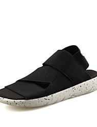 preiswerte -Damen Schuhe Künstliche Mikrofaser Polyurethan Frühling / Sommer Komfort Sandalen Flacher Absatz Offene Spitze Schwarz / Purpur / Schwarz