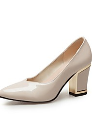preiswerte -Damen Schuhe Kunstleder Frühling Pumps High Heels Blockabsatz Spitze Zehe für Normal Party & Festivität Schwarz Beige Rot