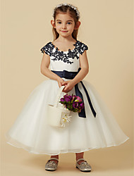 cheap -A-Line Knee Length Flower Girl Dress - Lace / Tulle Short Sleeve Scoop Neck with Bow(s) / Buttons / Sash / Ribbon by LAN TING BRIDE®
