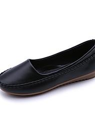 baratos -Mulheres Sapatos Couro Ecológico Primavera Verão Mocassim Rasos Sem Salto Ponta Redonda Rendado Branco / Preto / Rosa claro