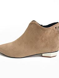 baratos -Mulheres Sapatos Camurça Outono Conforto Botas Salto Robusto Dedo Apontado Botas Curtas / Ankle para Escritório e Carreira Preto / Camel
