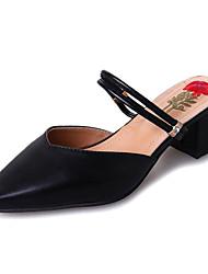 Недорогие -Жен. Обувь Полиуретан Весна Лето Удобная обувь Башмаки и босоножки На толстом каблуке Заостренный носок для Черный Бежевый