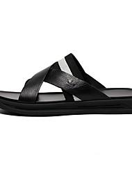 Недорогие -Муж. обувь Кожа Лето Удобная обувь Тапочки и Шлепанцы Черный
