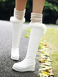 baratos -Mulheres Sapatos Couro Ecológico Outono & inverno Botas da Moda Botas Salto Plataforma Ponta Redonda Botas Cano Alto Penas Branco / Preto