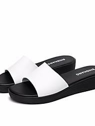 baratos -Mulheres Sapatos Pele Verão Conforto Sandálias Salto Plataforma Dedo Aberto para Ao ar livre Branco / Preto / Laranja
