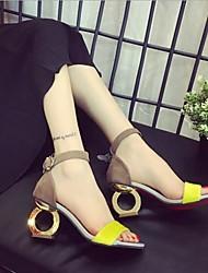 baratos -Mulheres Sapatos Micofibra Sintética PU Cashmere Verão Conforto Sandálias Calcanhar Heterotípico para Amarelo Leopardo