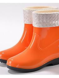 baratos -Mulheres Sapatos Pele PVC Primavera Botas de Chuva Botas Sem Salto Preto / Laranja / Azul