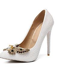 baratos -Mulheres Sapatos Couro Ecológico Primavera Verão Plataforma Básica Sapatos De Casamento Salto Agulha Dedo Apontado Laço / Pérolas Branco / Festas & Noite