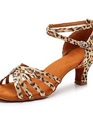 Недорогие -Жен. Обувь для латины Сатин Кроссовки Кубинский каблук Персонализируемая Танцевальная обувь Цвет-леопард