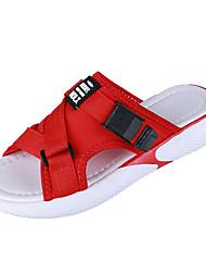 Недорогие -Жен. Полиуретан Лето Удобная обувь Сандалии На плоской подошве Белый / Черный / Красный