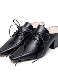 Недорогие -Жен. Наппа Leather Весна / Лето Удобная обувь Башмаки и босоножки На толстом каблуке Закрытый мыс Белый / Черный