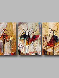 Недорогие -Hang-роспись маслом Ручная роспись - Абстракция Современный Включите внутренний каркас / 3 панели / Растянутый холст