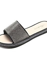 baratos -Mulheres Sapatos Couro Ecológico Verão Conforto Chinelos e flip-flops Sem Salto Preto / Bege