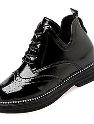 Недорогие -Жен. Армейские ботинки Полиуретан Осень Английский Ботинки На низком каблуке Круглый носок Ботинки Черный / Красный / Миндальный
