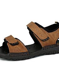 Недорогие -Муж. Комфортная обувь Кожа Лето Винтаж / На каждый день Сандалии Дышащий Черный / Коричневый