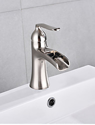 Недорогие -Ванная раковина кран - Водопад Матовый никель По центру Одной ручкой одно отверстие
