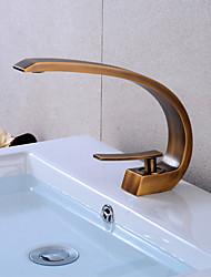 Недорогие -Ванная раковина кран - LED Античная медь По центру Одной ручкой одно отверстиеBath Taps